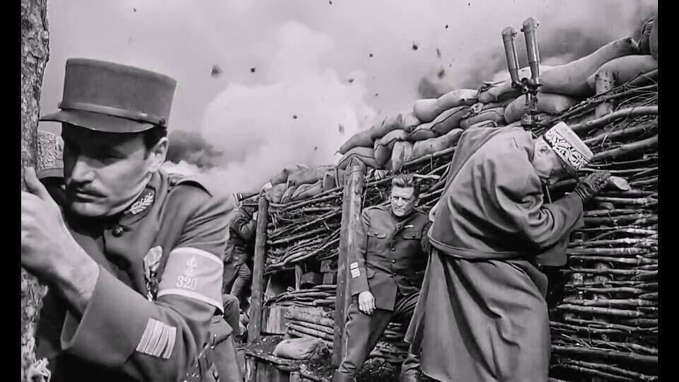 Zafer Yolları (1957) — Bir İnsanlık Savaşı